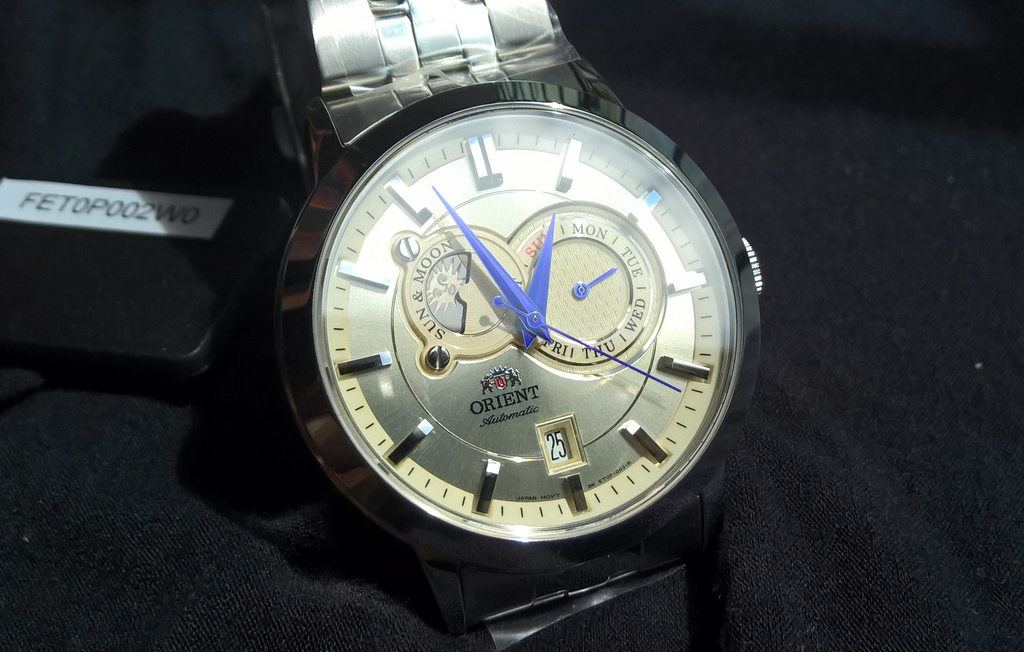 orient sun and moon v1 champagne dial with blued hands